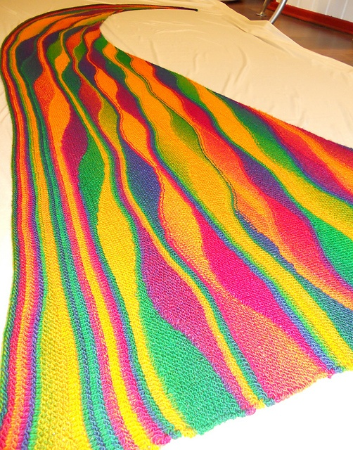 Want this - w/o the pink! Ravelry: silki65's Geswingter Regenbogen