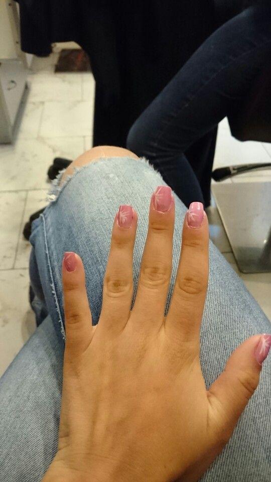 Fintgjorda naglar