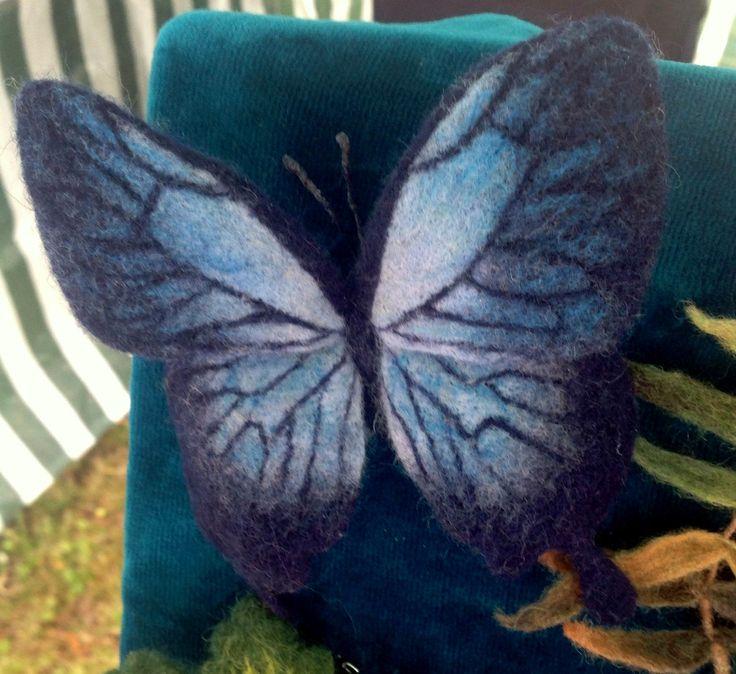 Брошь из шерсти Бабочка  (шерсть, проволочный каркас)
