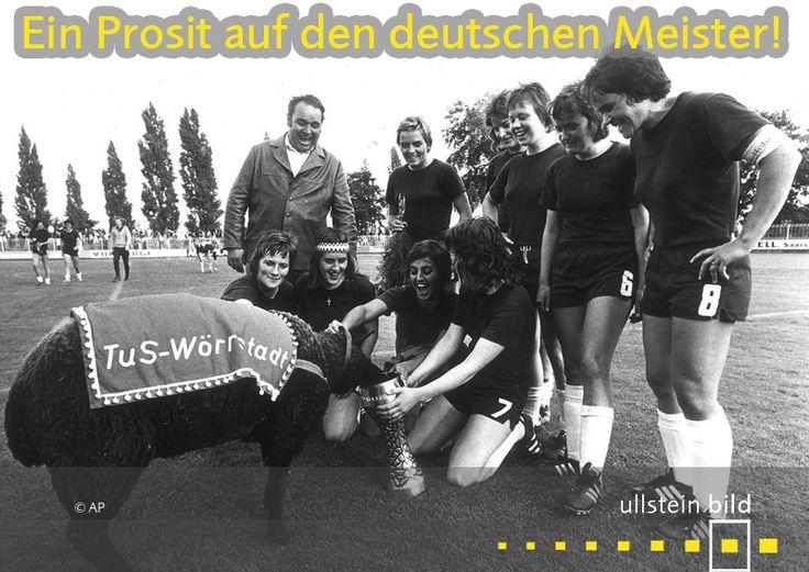 Als die Frauen vom TuS Wörrstadt am 8. September 1974 erster offizieller deutscher Meister im Frauenfußball wurden, durfte das Maskottchen, sinnigerweise ein schwarzes Schaf, als erstes aus dem Siegerpokal trinken. Im Finale im Mainzer Stadion am Bruchweg wurden die Spielerinnen von der DJK Eintracht Erle aus Gelsenkrichen vor 3.800 Zuschauern mit 4:0 vom Platz gefegt. Regine Israel erzielte drei der vier Tore. Die Mittelfeldspielerin war damals erst 15 Jahre alt.