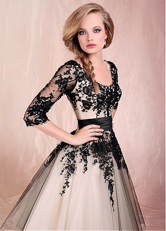 Gorgeous Tulle Scoop Neckline Tea-length A-line Prom/Formal Dress