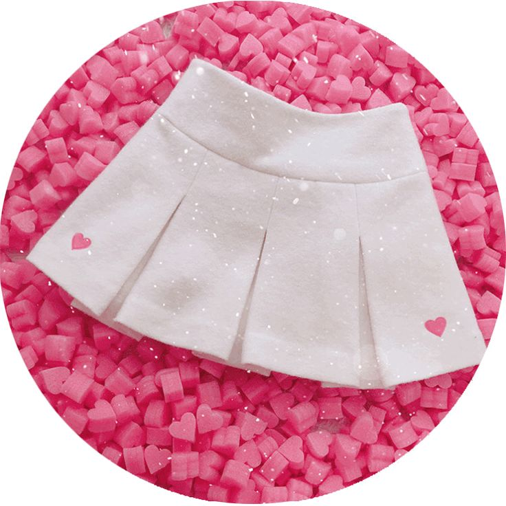 Girly Girl Shirts Midskirt on Girly Girl の To Alice.Preppy Woolen Hearts Embroid Midskirt A-Line Pleated Gg327 is a must to make an amazing outfit. You can wear it in any occasion - school, office, dates, and parties.