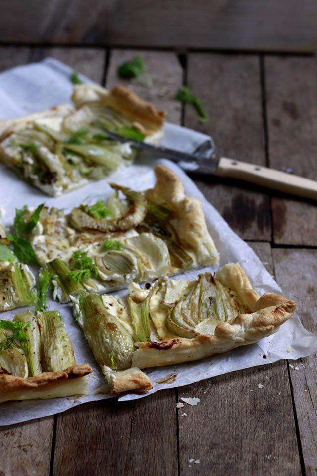 Simpel recept hartige plaattaart. Deze plaattaart met bladerdeeg, venkel en geit…