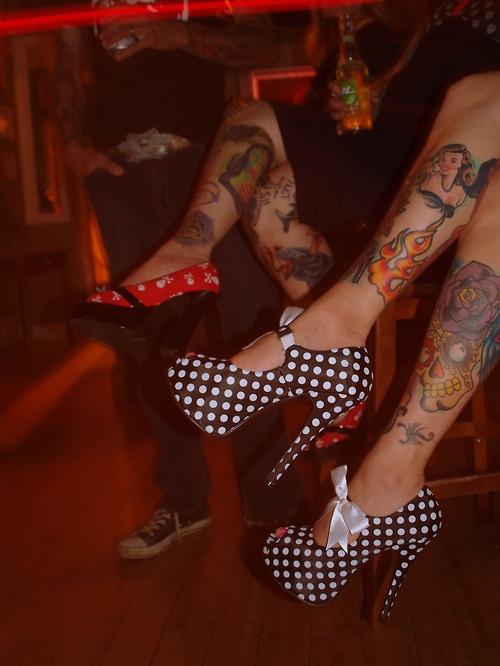 LOVE the polka-dots and bows: Black N White, White Shoes, Skull Tattoo, Polkadot, Up Style, Pinup, Heels, Polka Dots Parties, Ink