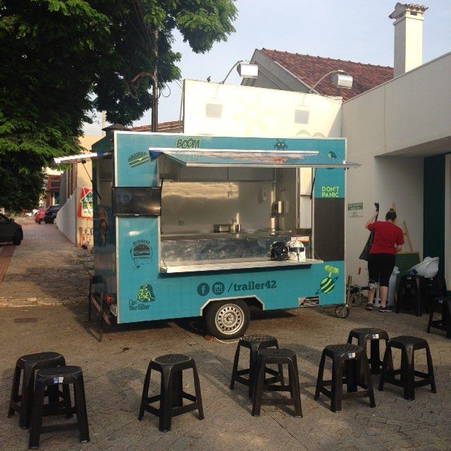 Já tá rolando galera!! É só chegar na @moatrip Rua Euclides da Cunha 464. #foodtrailer #foodtruck #foodporn #instafood #trailer42 #hamburguergeek #hamburguerartesanal #vemcomernarua #naruaehbemmaisdahora #baixagastronomia by trailer42