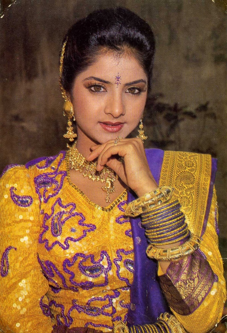 Divya Bharati  Heroines Old - South  Indian Actresses -8470