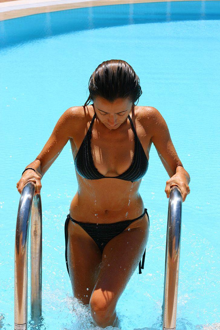 92 best fit bodies inspiration images on pinterest for Bikini piscina