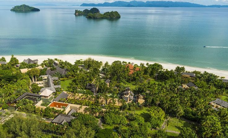 The Beach Front Tour to the three islands right at the Resort's beachfront in the Andaman Sea is a great introduction to Langkawi's wildlife. From coral reefs to fruit bats and flying squirrels, get up close to nature just minutes away from the Resort.