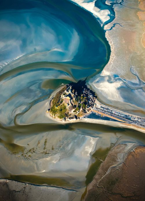 Paper marbling? No, it's a spectacular aerial view of Mont Saint-Michel by Nicholas Cazard, posted on Daemons Domain Instagram, Tumblr and Pinterest / Mont Saint-Michel, Shadow of Night, All Souls Trilogy