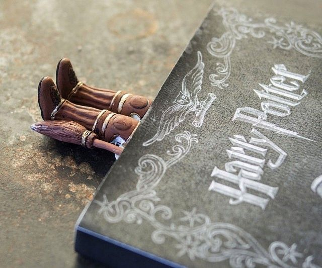 Quidditch's top seeker sweeps in for the save in the form of this Harry Potter boots bookmark. Handmade from polymer clay, the bookmark creates the illusion Harry's plunged right into your book as his boots and broom stick out.