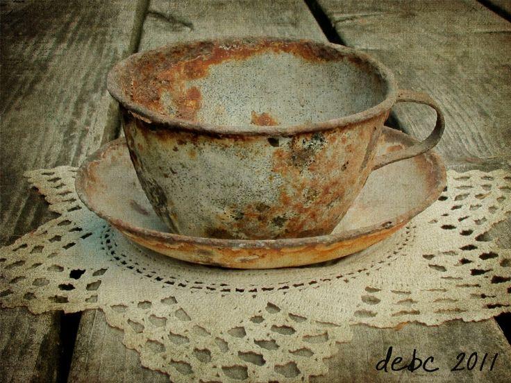 ...love it rusty cup and saucerRusty Stuff, Coffe Cups, Vintage Stuff, Rusty Metals, Rusty Treasure, Old Tins, Teacups, Rusty Memories, Rusty Cups