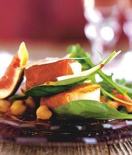 Rezept: Jakobsmuscheln mit Kichererbsen-Salat Rezept - [LIVING AT HOME]