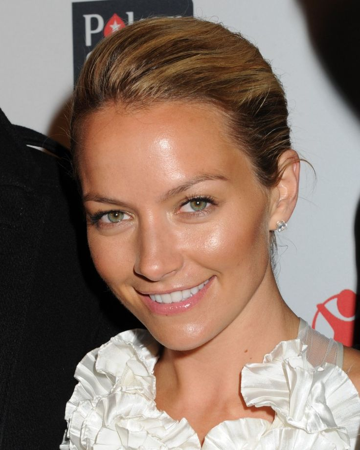 Becki Newton-- Gorgeous, as always!