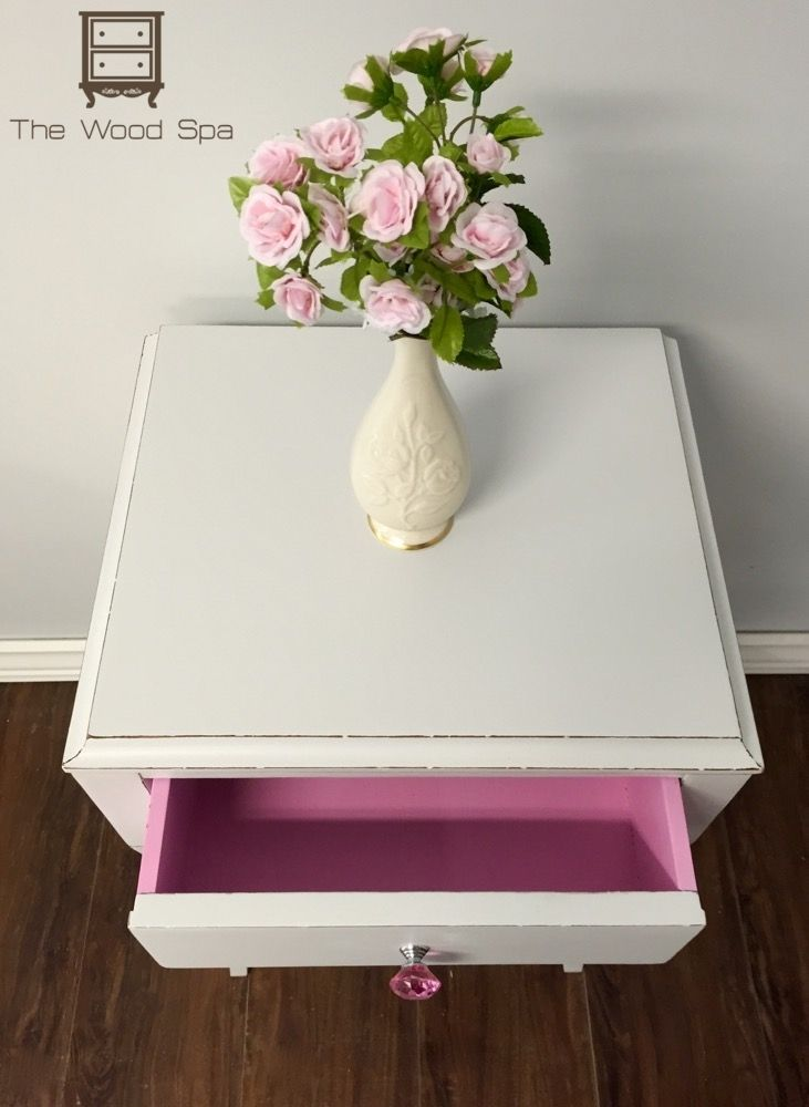 A little bedside table for Jamie's little girl. Read more here.