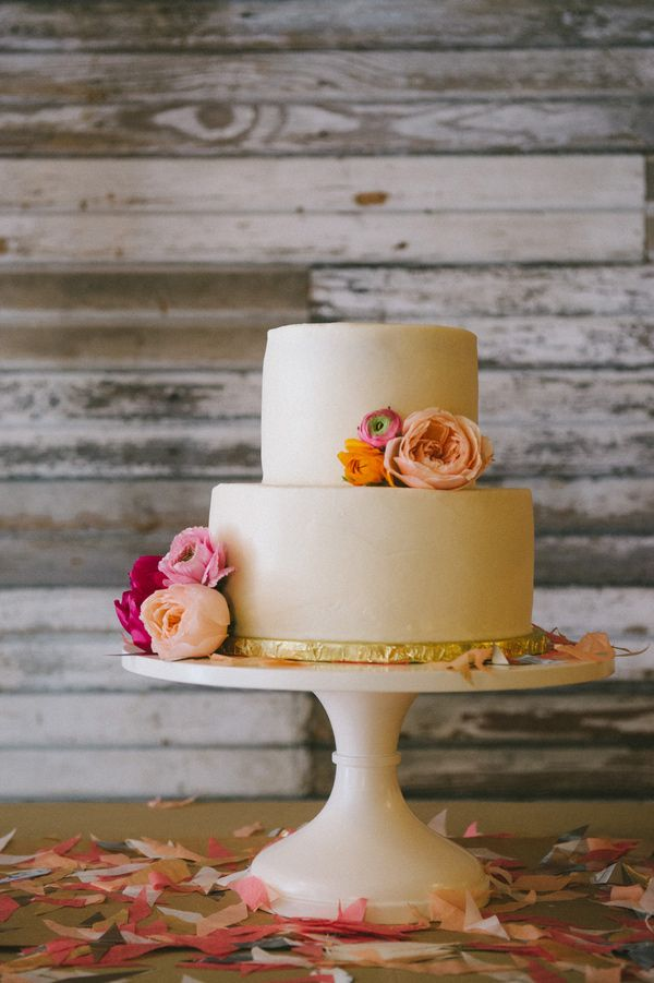 simple perfection // photo by Nathan Russell // cake by Classic Cakes by Lori