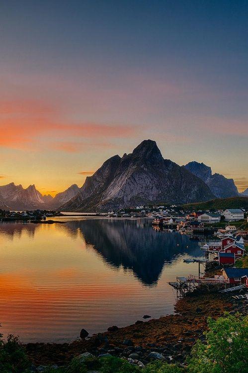 Lofoten North Norway summer evening !