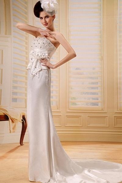 Elegant Trägerlosen A-Line Hochzeitskleid ba0325 - http://www.brautmode-abendkleid.de/elegant-tragerlosen-a-line-hochzeitskleid-ba0325.html - Ausschnitt: Trägerlos. Stoff: Satin. Ärmel: Ärmellos. Farbe: Elfenbein. Silhouette: A-Line. - 184.59