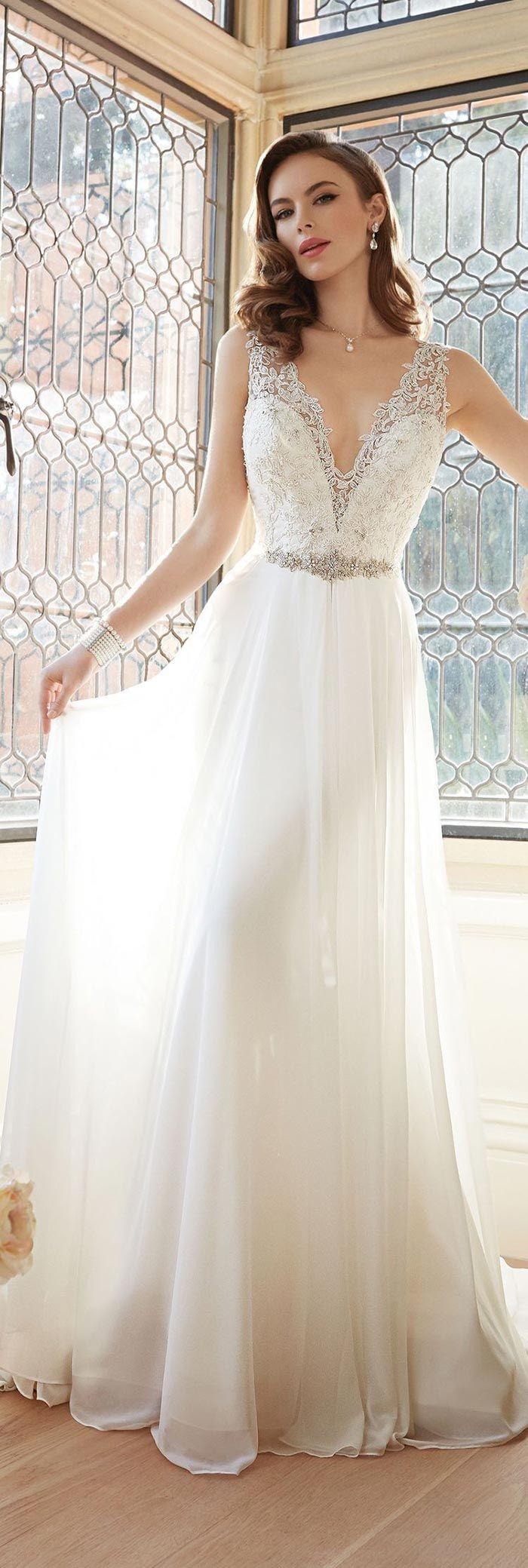 Vestido de noiva rendado                                                                                                                                                      Mais