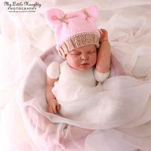 Новорожденных шлемы вязания крючком фотографии новорожденного реквизит ручной девочка. 0 - 3 мес. трикотажные кролик розовый зима шапочки(China (Mainland))