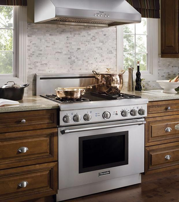 Range Cooker In Small Kitchen Range Cooker Feature Wall Kitchensofinsta Kitchens Rangecookers Stoves Range Kitchen Design Kitchen Design Gallery