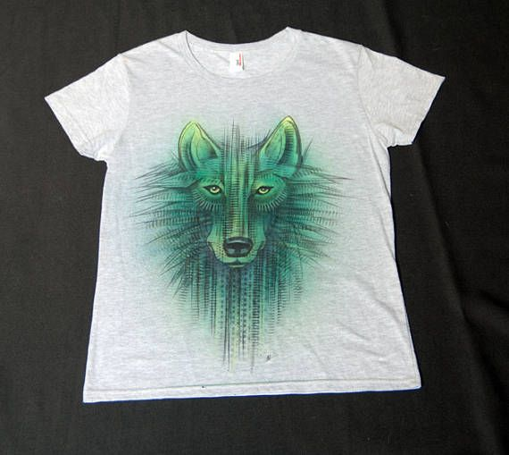 green wolf handpaited airbrushed tee