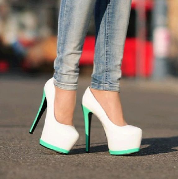 These are a far cry from 50's fashion, but I love the color combo!