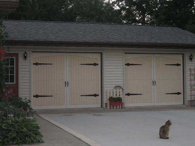 13 best diy garage door images on pinterest diy garage door applestone cottage our cottage facelift diy carriage doors solutioingenieria Images