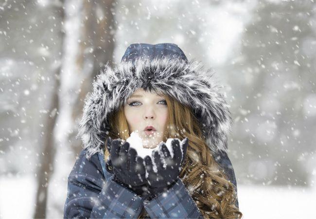 Zdroj: pixabay.com  Prichádza čas, kedy môžeme očakávať prvé sneženie. Ako si ho čo najlepšie užiť?  Na niektorých miestach