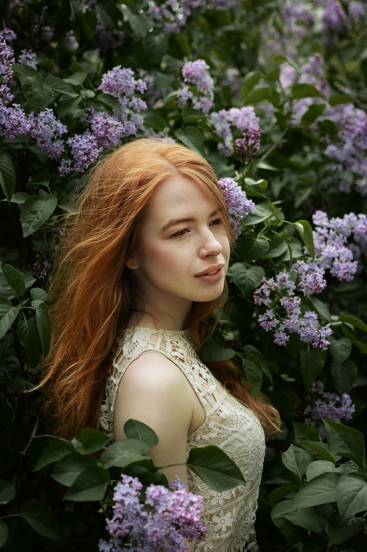 Anna - Lilac girl