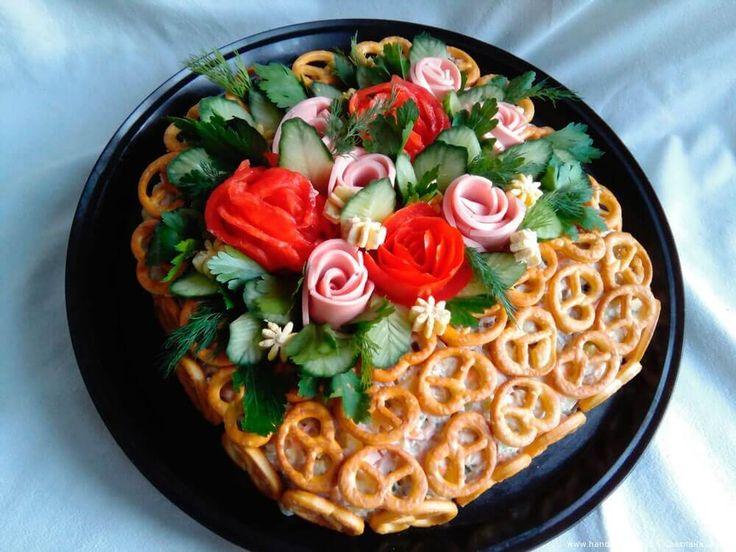 Салат «Оливье» в корзинке – пошаговый кулинарный рецепт с фото. Как оригинально оформить салат. Русская кухня.