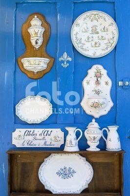 Pottery, Moustiers Sainte Marie, Alpes-de-Haute-Provence, Provence-Alpes-Cte d'Azur, France, Europe, Numer utworu: IBR0555339, Fotochannels