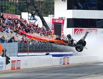 Οι αγώνες Drag είναι πολύ επικίνδυνοι γιατί τα πρωτότυπα εκτοξεύονται κυριολεκτικά, όπως και στο συγκεκριμένο ατύχημα. Οι αγώνες αυτοί βρίσκονται υπό την εποπτεία της National Hot Rod Association (NHRA), στην οποία ανήκουν περισσότεροι από 80.000