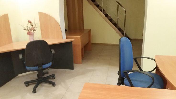 Аренда офиса по Пушкинская 38/40 Дворовое отдельно стоящее двухуровневое здание с собственным входом. Есть мебель, сигнализация, хороший ремонт, небольшая терраса. Закреплены два места для авто. Хорошо под офис закрытого типа.