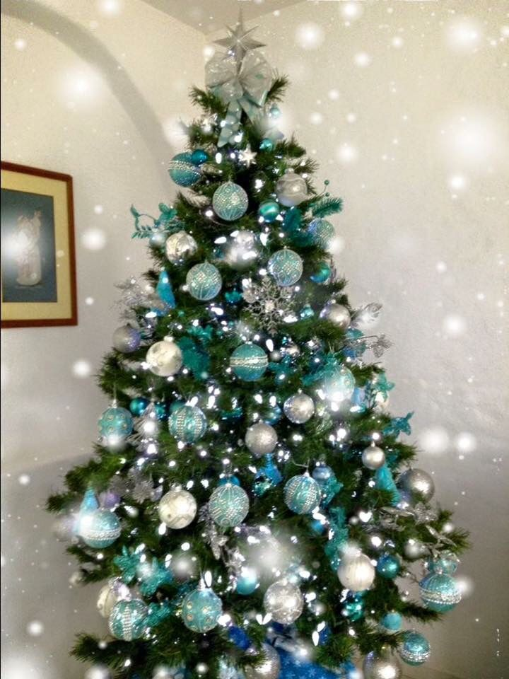 Best 25 teal christmas tree ideas on pinterest teal for Blue gold and white christmas tree