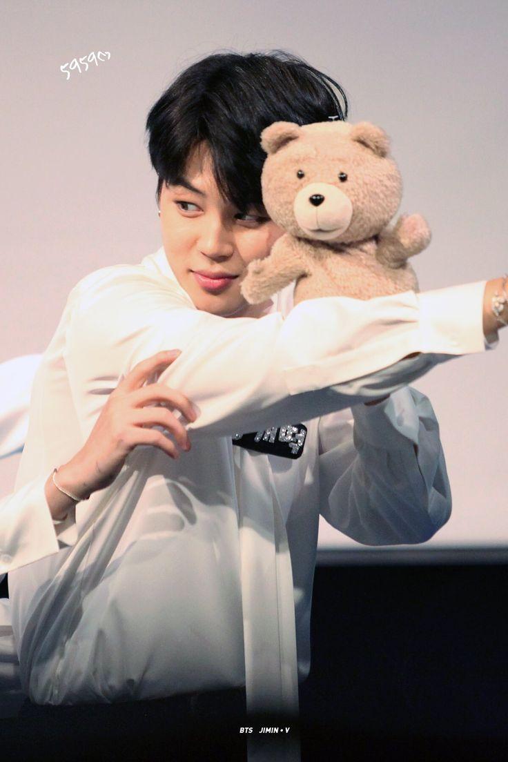 JIMIN❤️ dois ursinhos                                                                                                                                                                                 Mais