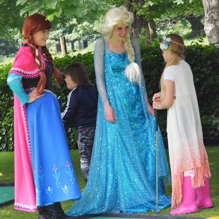 Frozen Sisters love meeting new friends ���� They would love to visit you too! Call us today 07861 599 436 www.angelschildrensparties.com/characters/ #themedparties #frozen #princessparty #anna #elsa #kidsparty #northwest #angelschildrensparties #angelscparties #eventplanner #nostressnomess http://misstagram.com/ipost/1553513437080999105/?code=BWPMD17AlTB