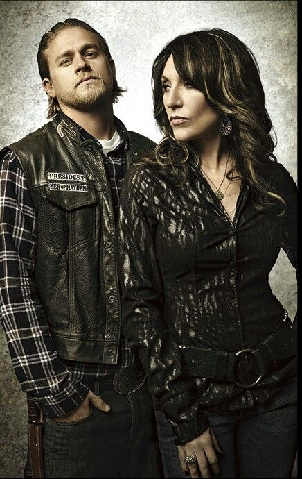 #SonsOfAnarchy sooooo glad I am completely caught up on this show!!! 2 weeks of cramming Seasons 1 - 5 to be caught up on season 6...well worth it my friends.