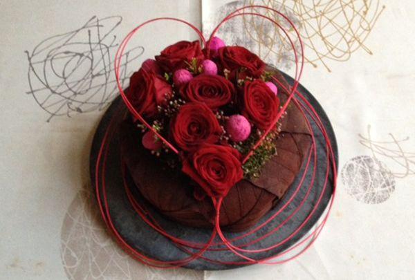 Valentijn - Februari 2014 http://www.avevewinkels.be/nl/tuin/decoratie/alle-bloemstukken/bloemstuk-van-de-maand-februari-2014-