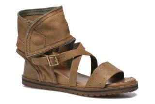Sandales et nu-pieds Casertyn Kickers vue 3/4