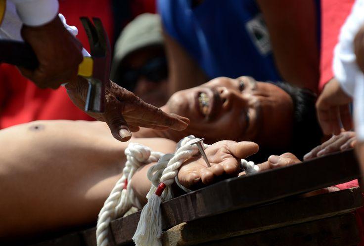Easter / San Juan, Manila - Philippines 29 March 2013. (  Noel Celis / AFP  )