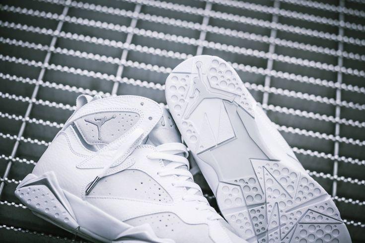 Chaussure Air Jordan VII 7 Retro Blanche Pure Money (2)