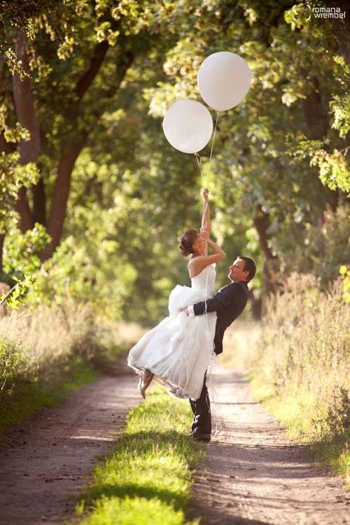 romantic wedding photos ♥ ballons