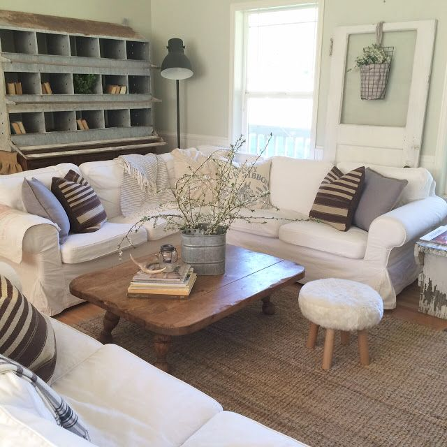 Little Farmstead: Farmhouse Style: Is Now the Time for Brown and Blue?