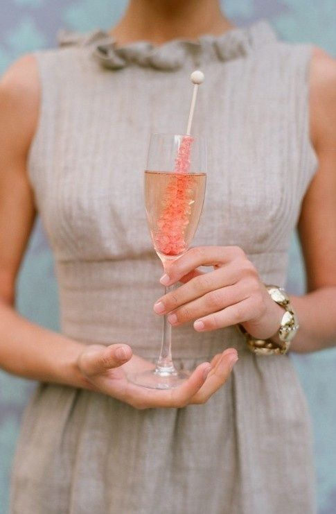 10 Creative Ways to present your signature drink at your wedding - love these!