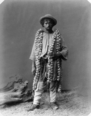 Garlic seller, around 1889, Moldova