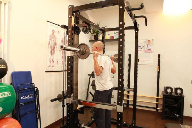 #PersonalTrainer #Bologna -  #Squat con bilanciere per l' #allenamento di #gambe e #glutei  #palestra #tonificazione #muscoli