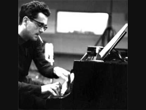 Michel Legrand, the great french composer sings his beautiful and famous song Les Moulins de Mon Coeur, in 1969