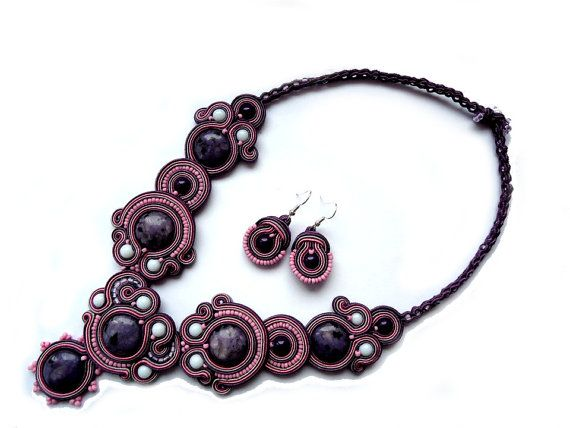 New Price Earrings and Necklace in the by SoutacheByMolicka
