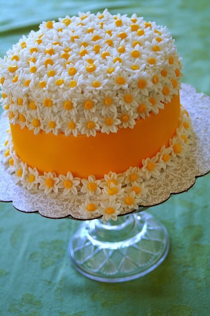 Daisy Cake - You can purchase those flowers already made. Instead of a fondant ribbon you can use fruit by the foot. It doesn't get easier than this.