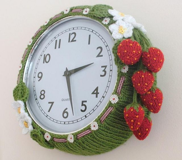 Cool Strawberry Crochet Clock